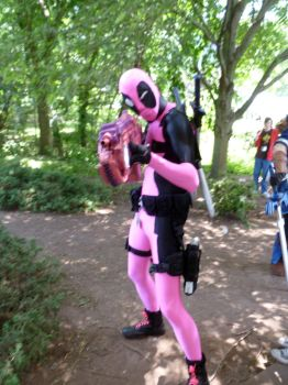 Pink Deadpool by tisnarutard