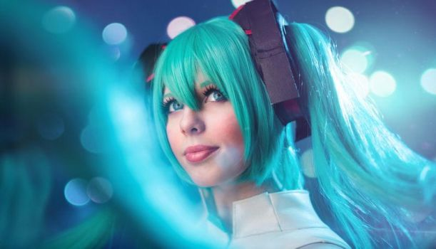 Vocaloid 3 Miku Append by CamiCosplay