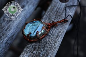 Wire Wrapped pendant by eeeweeelin
