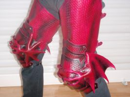 Dragon armor - cuisses side by Red-Dragon-Lord
