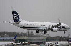 Alaska Airlines Boeing 737-900ER by shelbs2