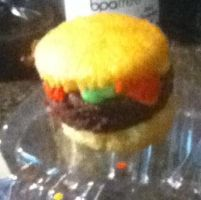 Hamburger Cupcake by TheeKozakura