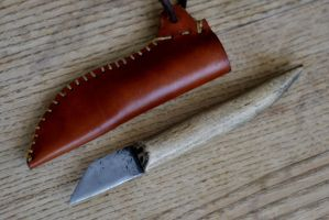 Iron Age knife by Dewfooter
