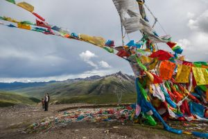 Prayer Flags At The Peak by phlezk
