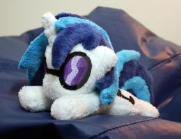 Vinyl Scratch Mini Pony by TheHarley