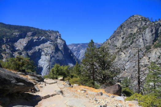 Yosemite 23 (18 MP, Comments welcome) by Rennsemmel96