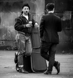 2 guys, Royal Mile, Edinburgh by MikeHeard
