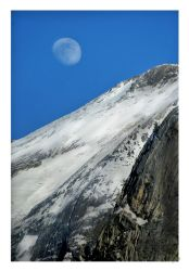 Moon and Mountain by shell4art