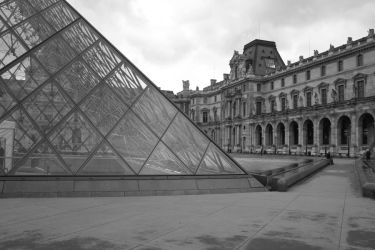 Louvre by deadly-sinful