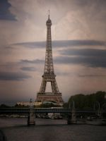 Eiffel Tower III by Graishgagamagagama