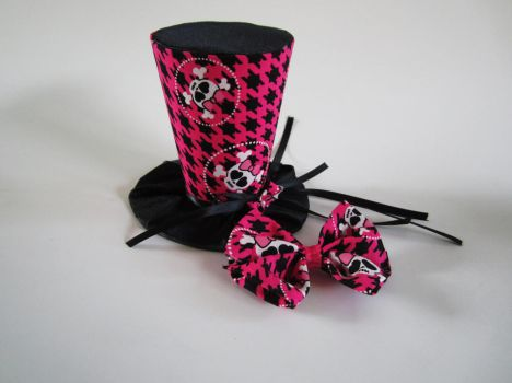 Monster High Mini Top Hat and Bow by MelissaRTurner