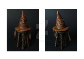 1:12 Sorting Hat and Stool by NJD-Miniatures