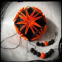 Kusudama: This is Halloween by nefer-et
