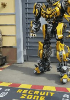 I first met with Bumble Bee of Transformer at USH by Magic-Kristina-KW