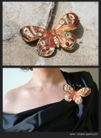 Jewels-Butterfly pin by pittyarte