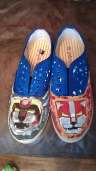 Voltron custome shoe1 by melodywinters