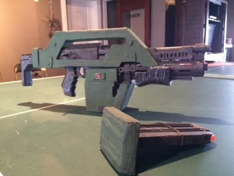 M41a pulse rifle (Special edition- with mag out) by EJLightning007arts