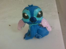 Stitch by mandyblue