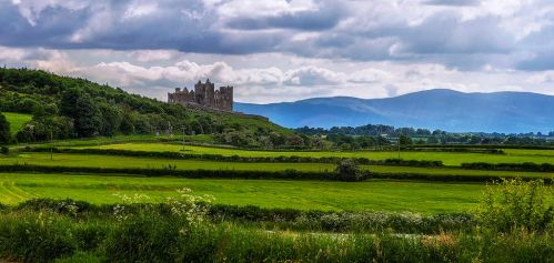 Rock of Cashel by TarJakArt