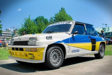 R5 Turbo 2 by SeanTheCarSpotter