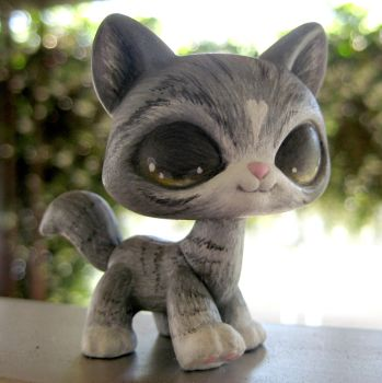 Grey Striped Cat LPS by TheLeyLine