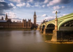 London calling by INVIV0