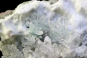 A 'Snowy' Crystal Landscape by bmah