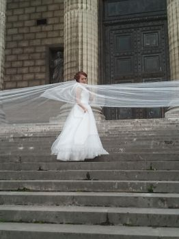 Bride in white Paris by Monomakh