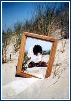Beach and mirror by pouka2