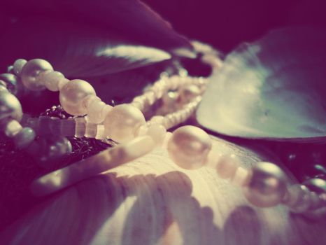 sea shells and pearls by bedstraw