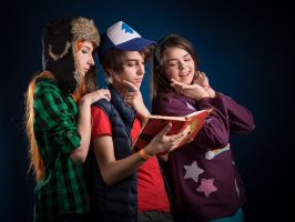 Gravity Falls - Wendy, Dipper, Mabel by QuinzelCosplay