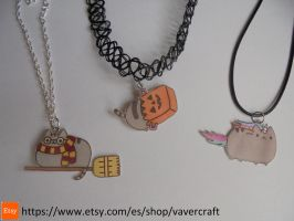 Pusheen cat necklaces by Vavercraft