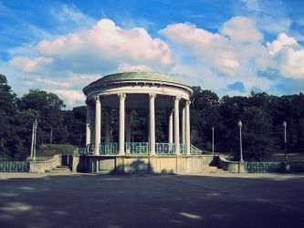 Bandstand by Chowing