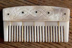 Customized bone comb B by Dewfooter