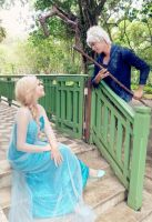 Elsa x Jack Frost by DeliriousLoudly
