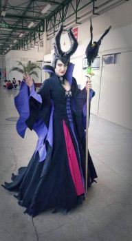 maleficent cosplay by Ellothin