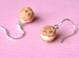 Tiny Cookie Earrings by Madizzo
