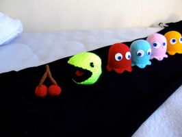 Pacman package by knerdy-knits