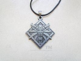 School of the Wolf - The Witcher Inspired Necklace by thingamajik