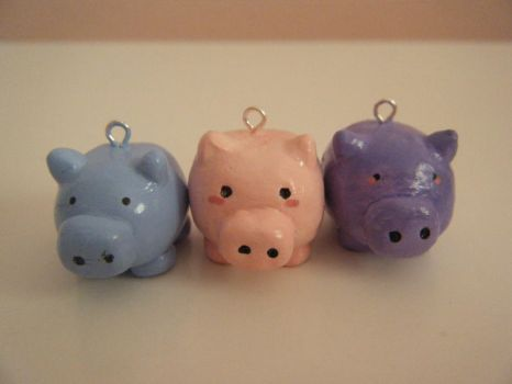 Pig Charms by CakesCraftsandClay