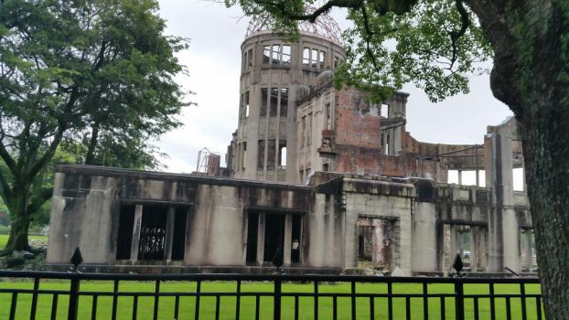 Hiroshima Peace Park by chocosunday