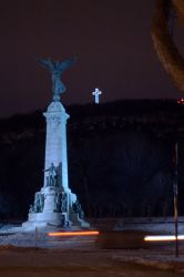 Mont-Royal at night by Ennev