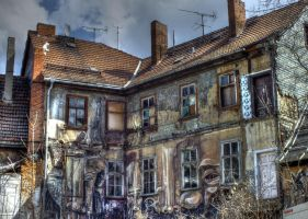 House With Faces HDR by gogo100878