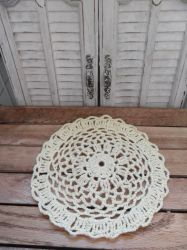 Small Crochet Doily by kayanah