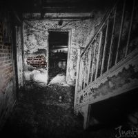 Urban Decay by jnati