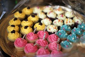 Cousin's cupcakes by ai-chyan