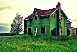 Teeth In the Grass by abandoned-echoes