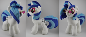 Vinyl Scratch Plush by LyrasPlush