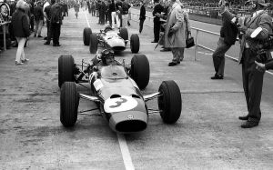 Graham Hill | John Surtees (Great Britain 1965) by F1-history