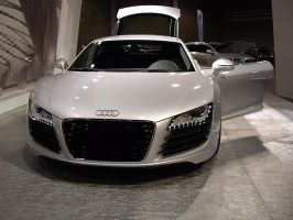 Audi R8 by short-shift90